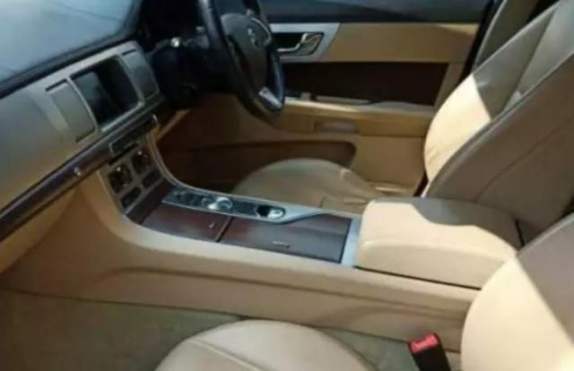 Jaguar XJ 3.0L Premium Luxury LWB 2015