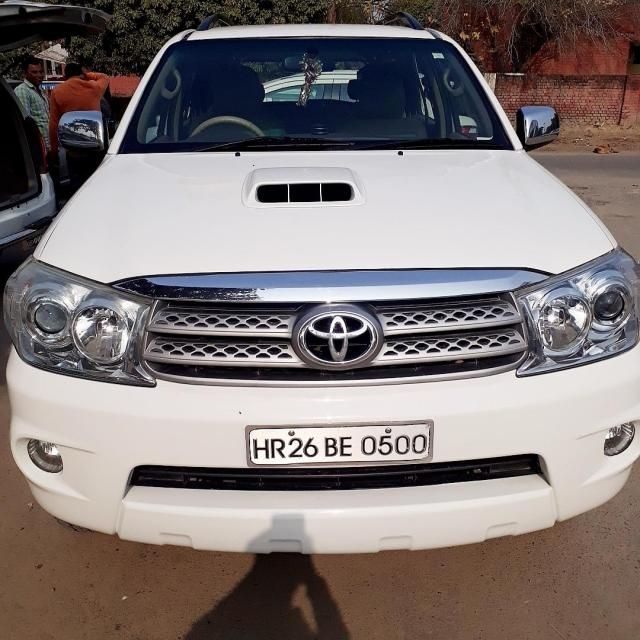 Toyota Fortuner 2.8 4x4 AT 2010
