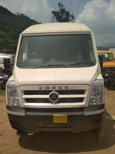 Force Traveller 3350 15 SEATER 2018