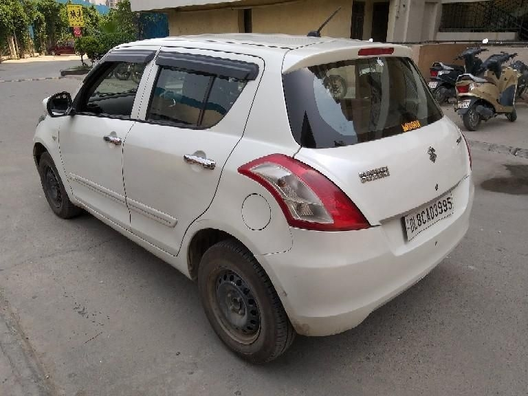 Maruti Suzuki Swift LXi Opt 2015