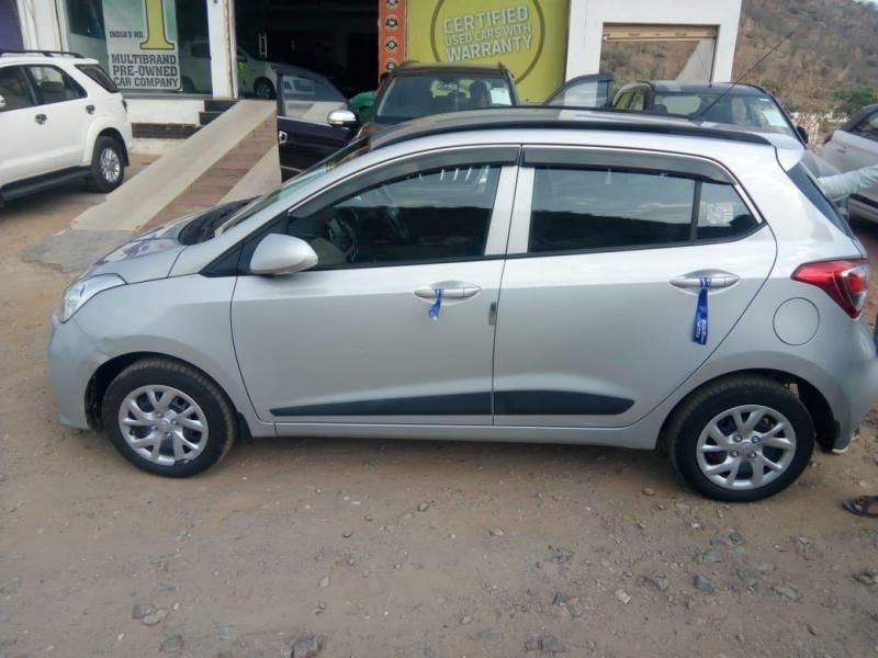 Hyundai Grand i10 Sportz (O) AT 1.2 Kappa VTVT 2018