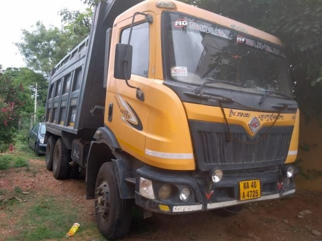 Mahindra Blazo 25 4250/14 CUM/BOX BODY  2012