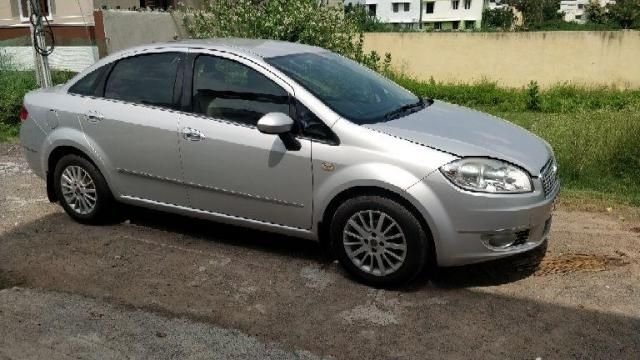 Fiat Linea EMOTION 1.4 2011