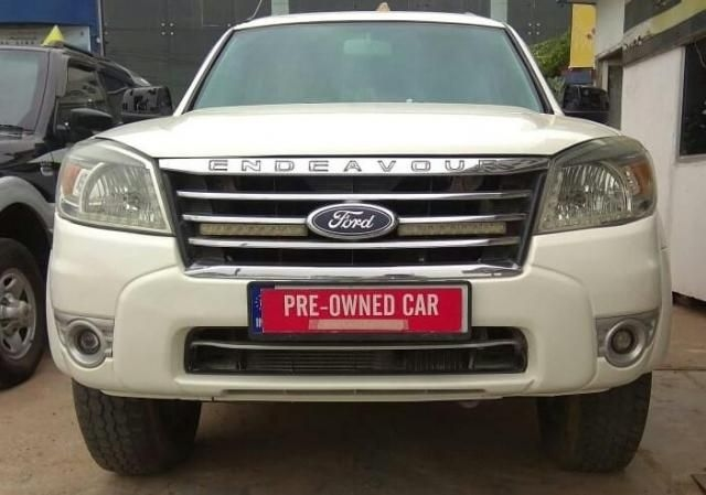 Ford Endeavour Titanium 2.2 4x2 AT 2011