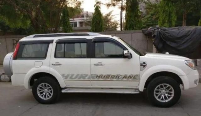 Ford Endeavour Trend 2.2 4x2 MT 2013