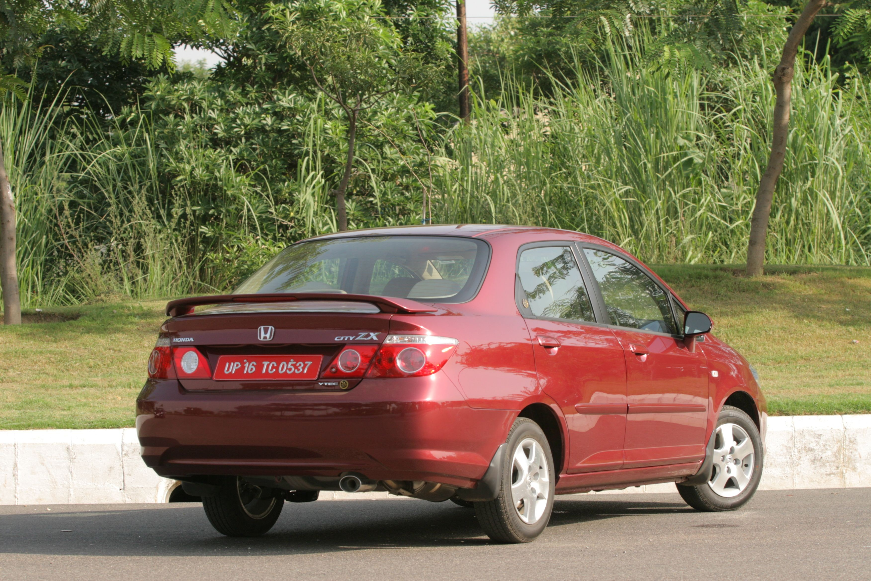 Honda City Zx Price In India Mileage Reviews Amp Images